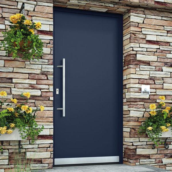 Алюминиевая дверь в классическом стиле