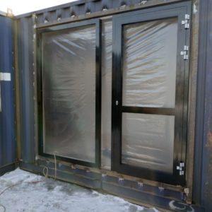Теплая дверь с панорамным окном (монтаж)